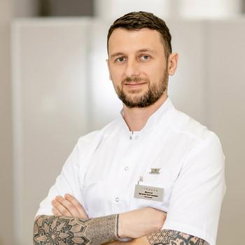 Молоток Евгений Анатольевич